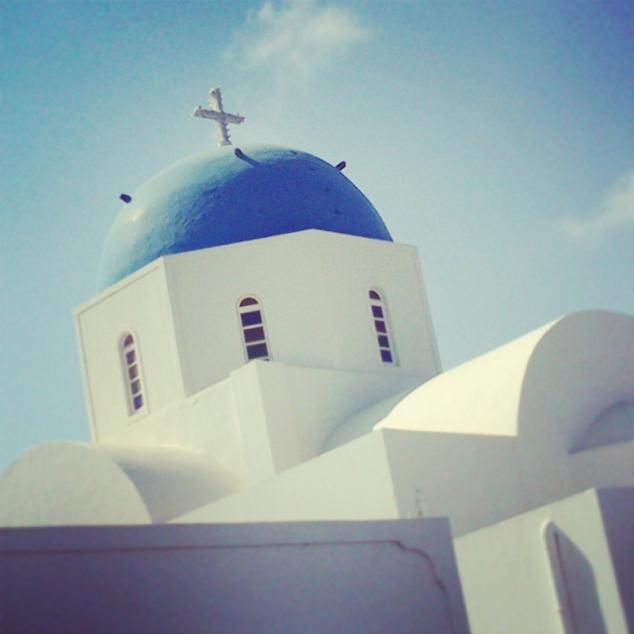 Cúpula de iglesia en Oia