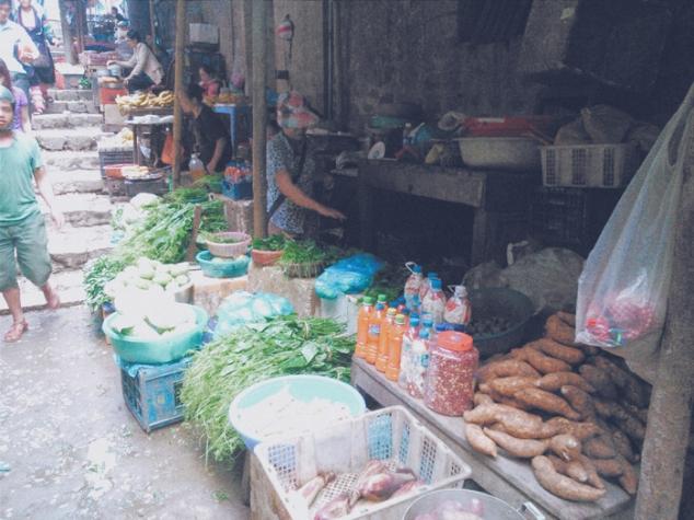 puesto_verdura_mercado_sapa