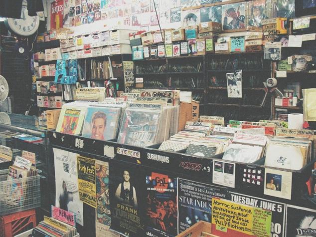 Tienda discos little italy